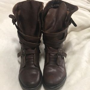 Steve Madden perfect boot for fall or winter